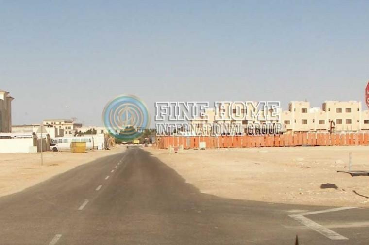 تجاري للبيع في مدينه محمد بن زايد - ابوظبي